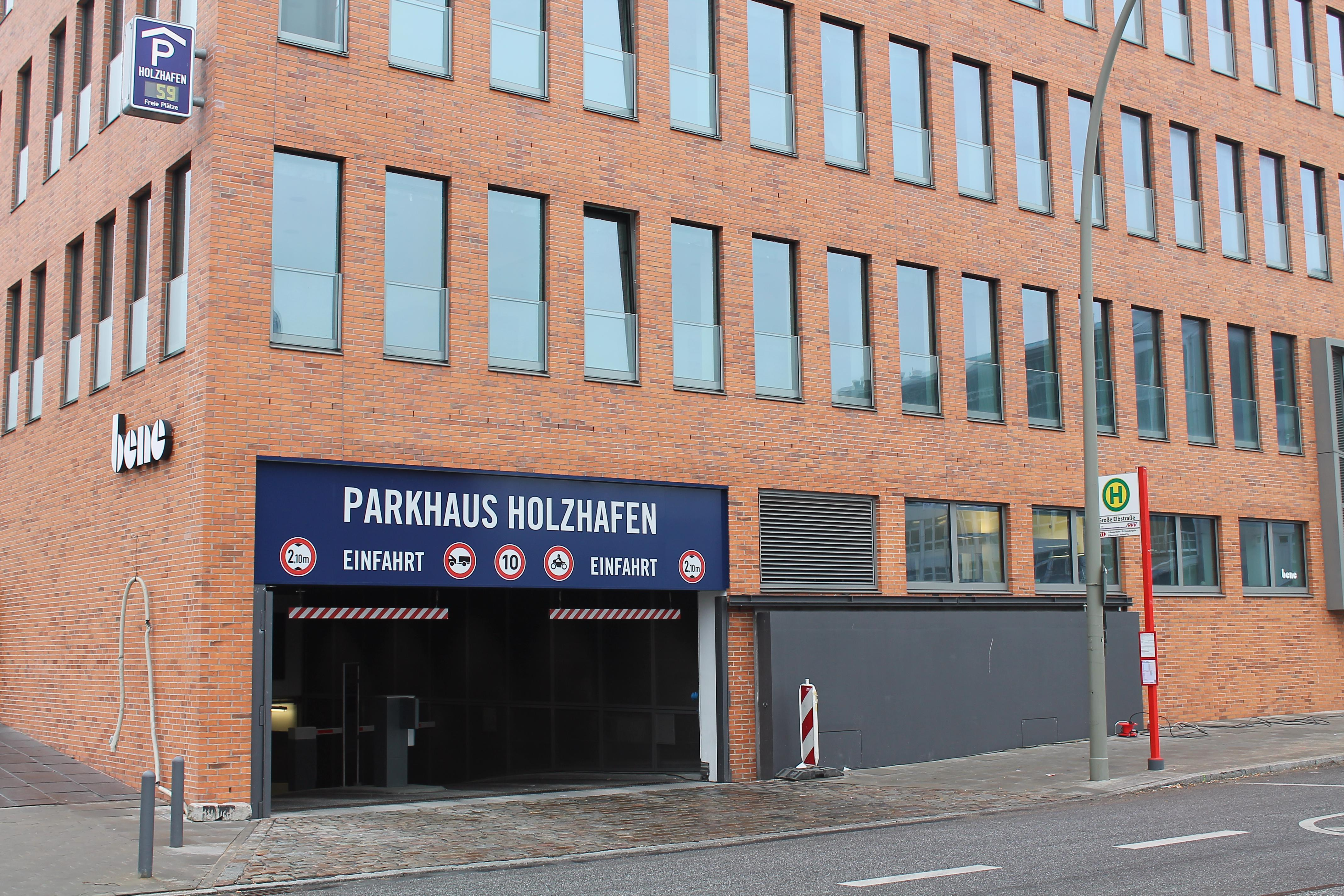 Parking In Holzhafen Apcoa Parking
