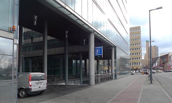 Sony Center-2
