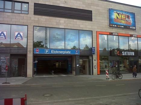 Elcknerplatz am Bahnhof Köpenick-1