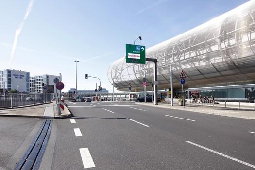 Düsseldorf Flughafen P11-1