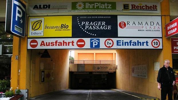Prager Passage-3